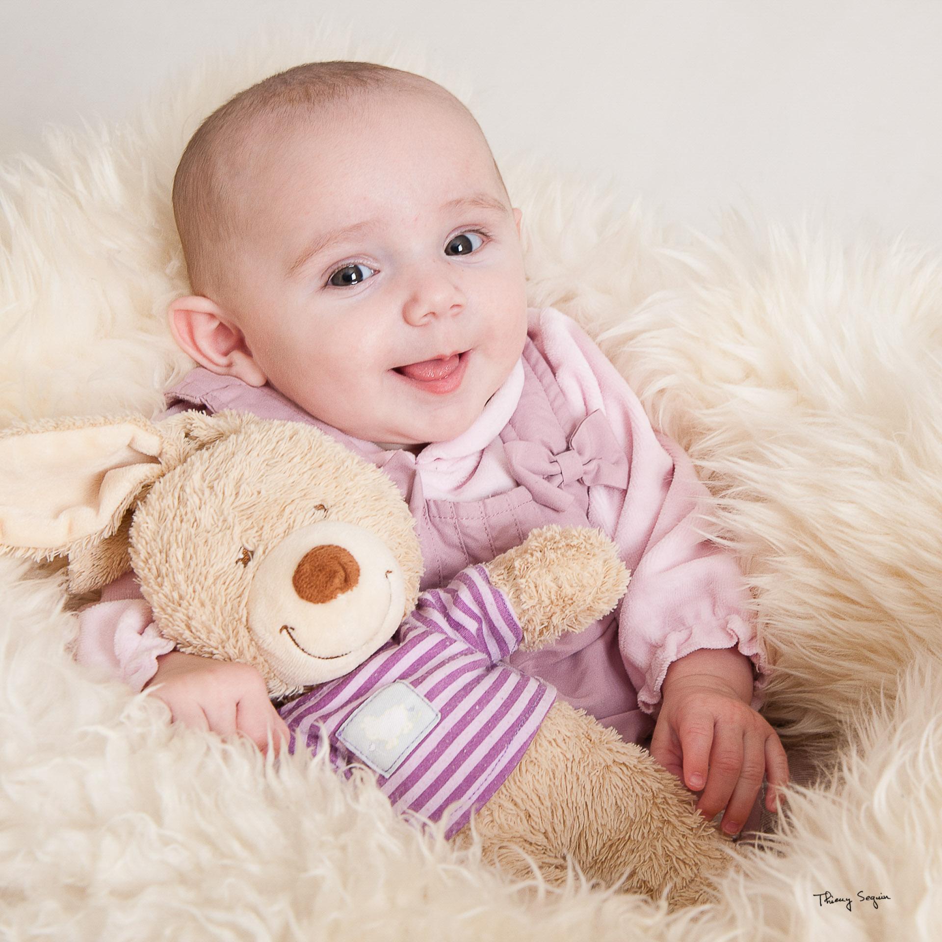 Portrait photo  de bébé avec son nounours seguin_thierry_n°07 (portrait libre)
