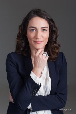 Portrait de valorisation professionnel pour CV LinkedIn Viadeo Amplement