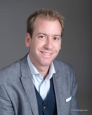 Portrait professionnel masculin Viadeo LinkedIn CV