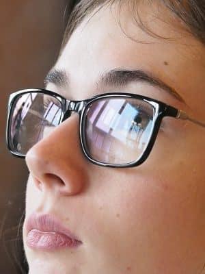 maximisation des reflets sur les lunettes par filtre polarisant