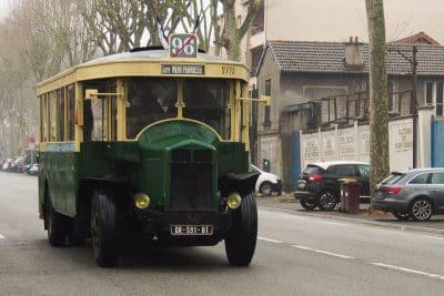 vieil autobus ligne 96 de face