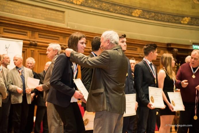 Photographe de reportage - remise de médaille à une lauréate du concours Un des Meilleurs Apprentis de France 2016