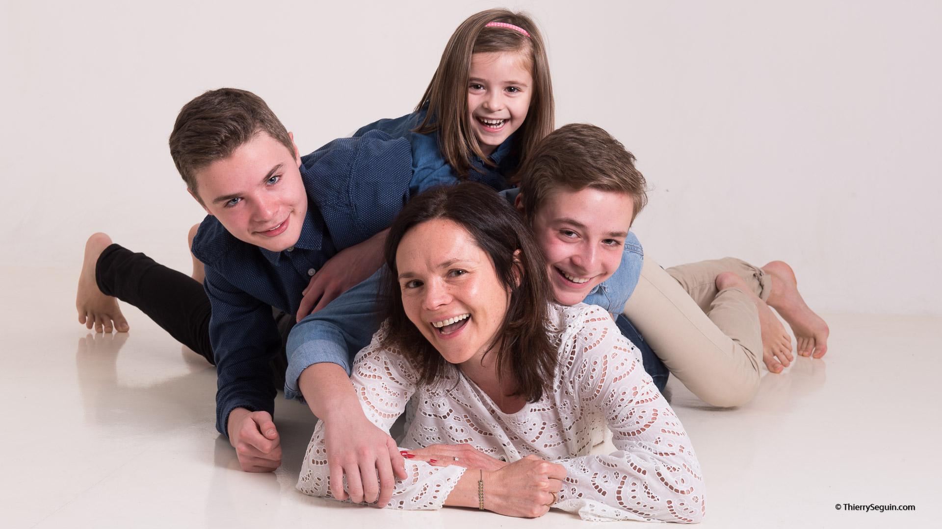 portrait de famille Versailles Mère et 3 enfants
